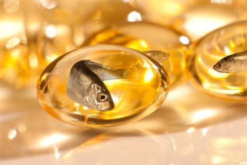 Nên ăn cá hay uống viên dầu cá?